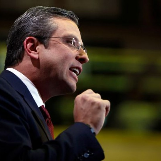 Puerto Rico Governor Alejandro Garcia Padilla signed an executive order legalizing the use of medical marijuana in the U.S. territory.  Read more: http://www.rollingstone.com/culture/news/puerto-rico-legalizes-medical-marijuana-20150504#ixzz3aOzD2Dsy  Follow us: @rollingstone on Twitter | RollingStone on Facebook